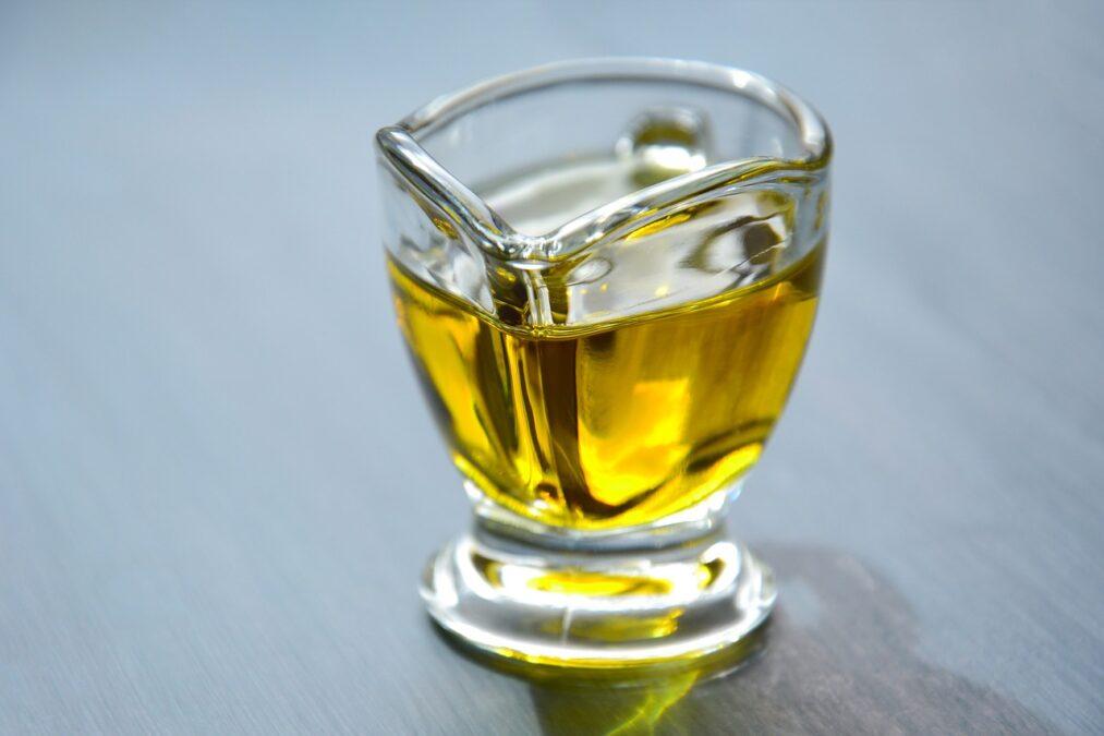 【栄養学】植物油の栄養成分について紹介!植物油の食品の効能と効果を高めるコツ